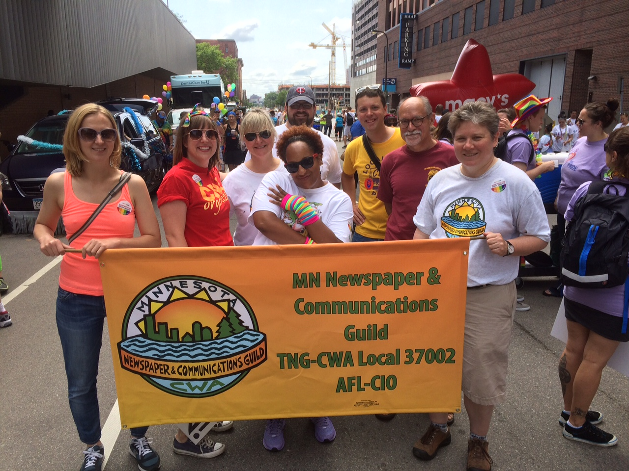Mn Newspaper Amp Communications Guild Members March In The
